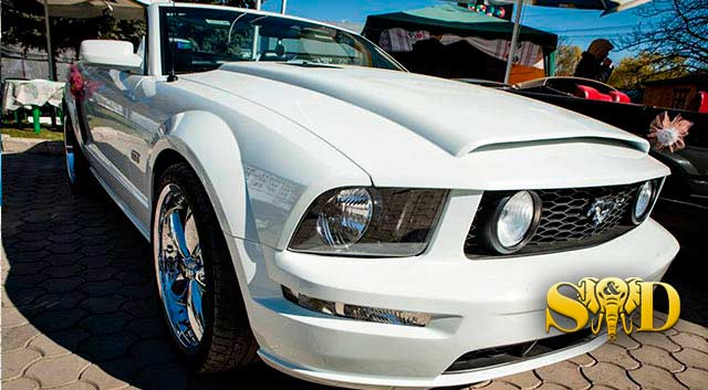 Rent Cabrio Car Chisinau - Ford Mustang White1
