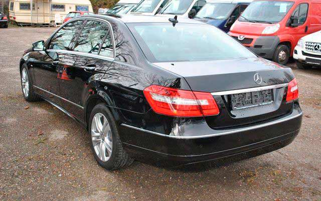 rent a car for wedding chisinau/Moldova - MERS E CLASS black-4